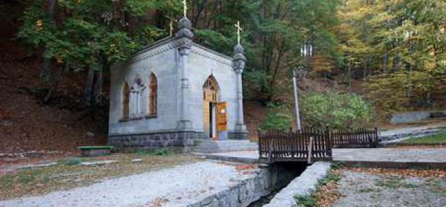 монастырь свв. Косьмы и Дамиана, святой источник